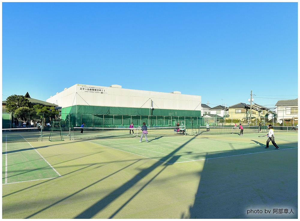 高松ローンテニススクールのアウトドアテニスコート
